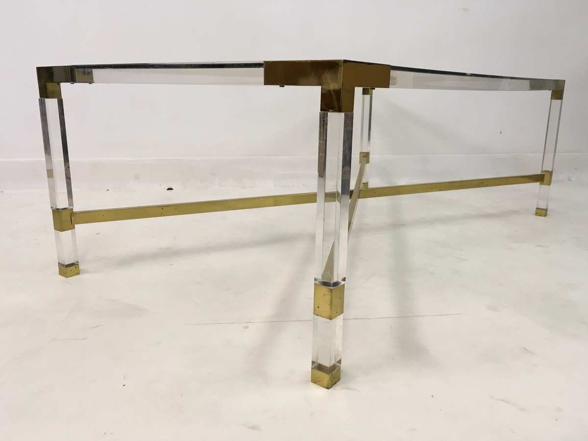 Lucite and brass coffee table decorative collective for Lucite and brass coffee table